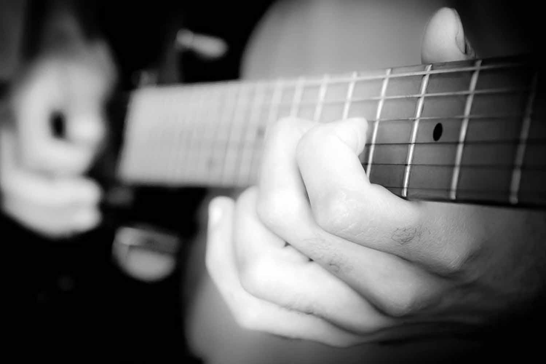 Guitar_worship